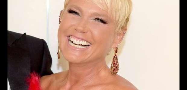 Famosas defendem Xuxa de críticas por selfie sem maquiagem