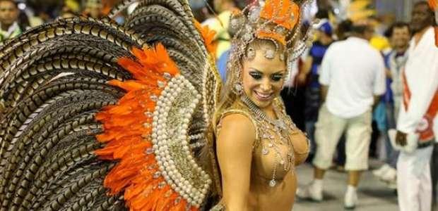 """Ex-musa fala de venda de cargos no Carnaval: """"todas pagam"""""""