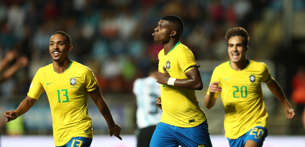 Brasil impede título da Argentina, mas fica fora do Mundial
