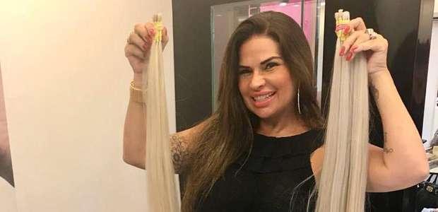 Solange Gomes fica loira para o Carnaval 2019