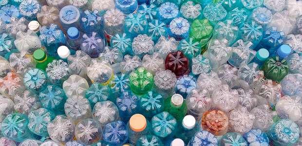 Signatários de uma Nova Economia do Plástico mostram ...
