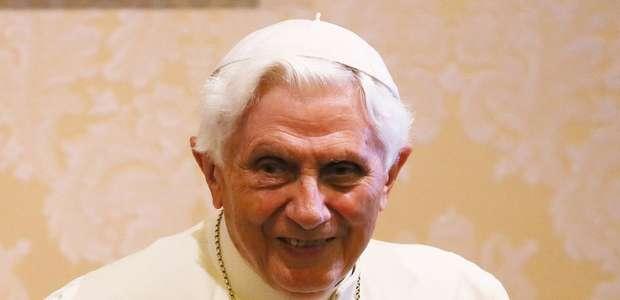Como o papa emérito Bento XVI tenta culpar a revolução ...