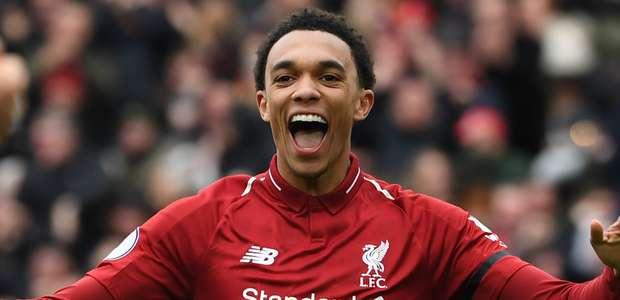 """Liverpool: """"Não precisamos pedir ajuda"""", diz lateral ..."""