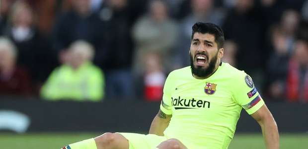 Suárez passa por artroscopia e pode não ir à Copa América