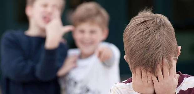 Cirurgia plástica pode ajudar a combater bullying na ...