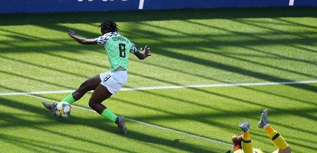 Nigéria bate Coreia do Sul e conquista rara vitória na Copa