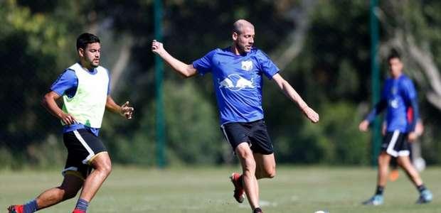 Uillian Correia comemora liderança do Bragantino na ...