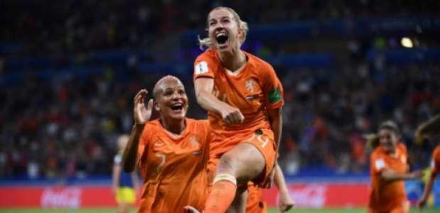 Holanda vence Suécia e vai enfrentar EUA na final da Copa