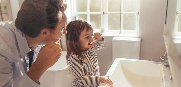 7 maiores erros na hora de escovar os dentes