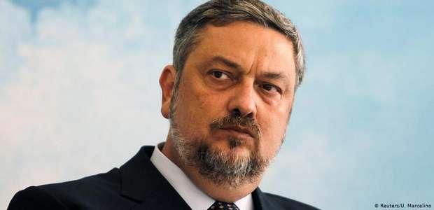 Palocci diz que bancos deram R$ 50 milhões ao PT em ...