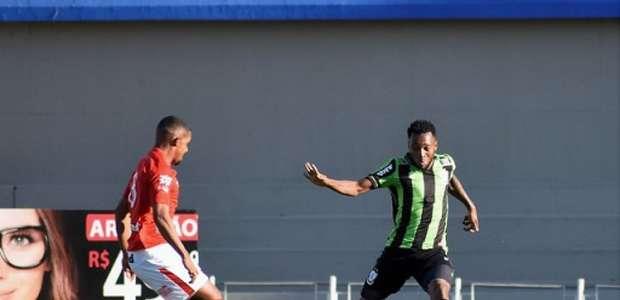 Vila Nova-GO e América-MG ficam empatados no Serra Dourada