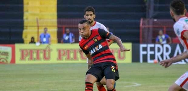 Atacante Guilherme é alvo de interesse do Cruzeiro