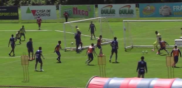 "BAHIA: Giovanni elogia treinos táticos: ""Jogador moderno ..."