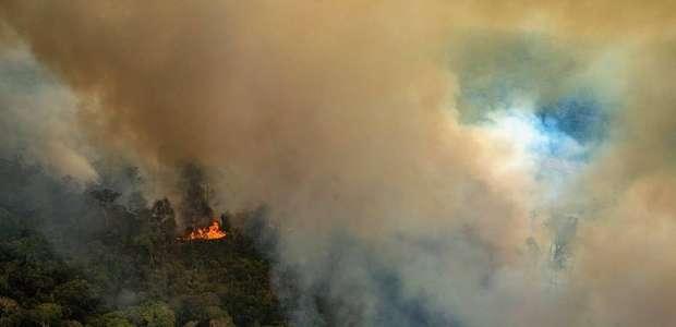 Dizendo estar triste com a repercussão de incêndios, ...