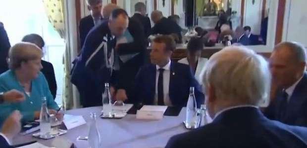 Nas redes sociais, Bolsonaro publica vídeo de conversa ...