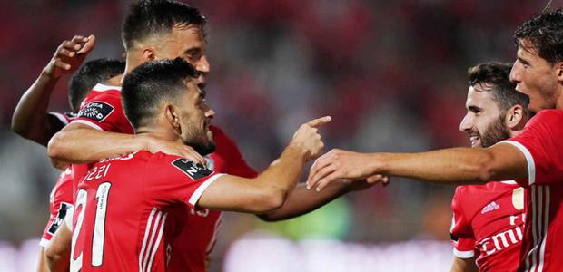 Benfica e Porto querem desbancar zebras no Português