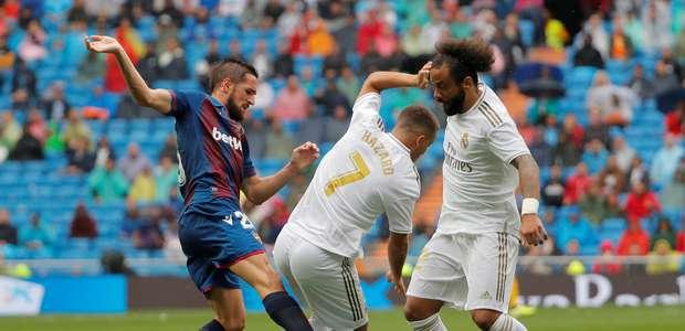 Com 2 de Benzema, Real Madrid bate o Levante pelo Espanhol