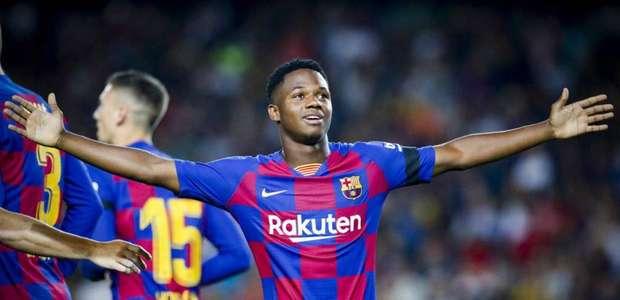 Garoto de 16 anos brilha e Barcelona goleia o Valencia