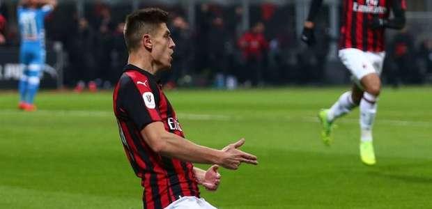Com um a mais, Milan sofre para vencer o Verona no Italiano