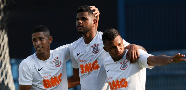 Corinthians e Santos vencem pelo Campeonato Brasileiro ...