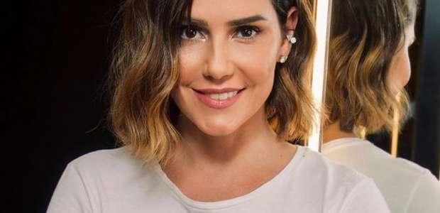 Deborah Secco faz corte long bob e muda cor do cabelo ...