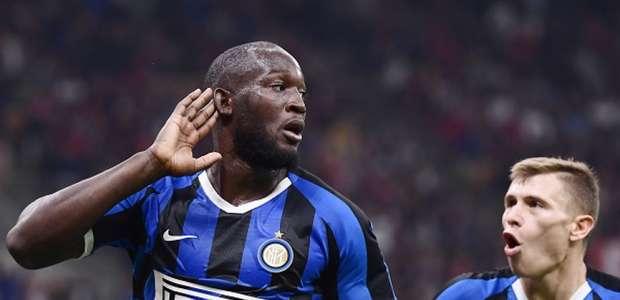 Inter derrota Milan em clássico e mantem 100% no Italiano