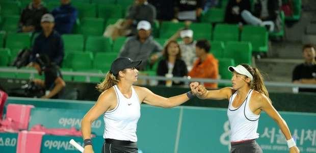Stefani fica com vice nas duplas no WTA de Seul, mas ...