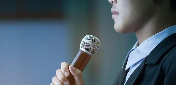 Como dominar o medo de falar em público?