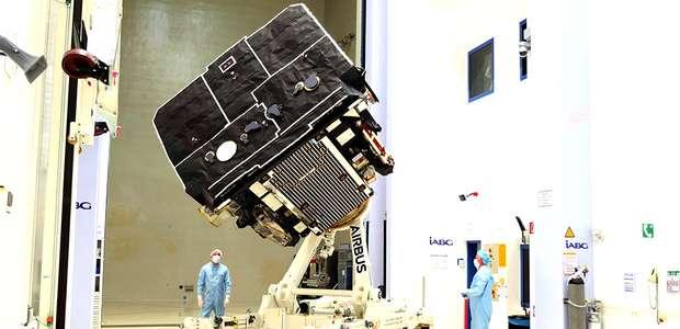 A nave espacial criada para fotografar e filmar o Sol de ...
