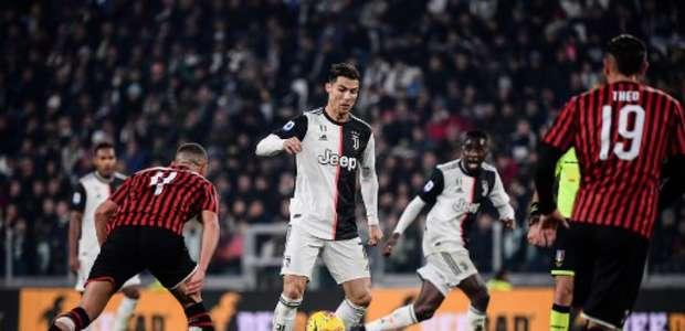 Em jogo 1.000 de CR7, Juventus vence o Milan e retoma ponta