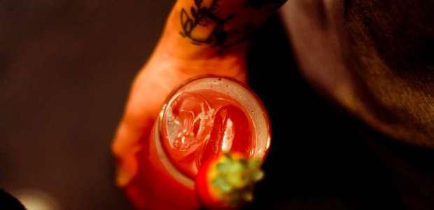 Aprenda a preparar o drinque Etta James