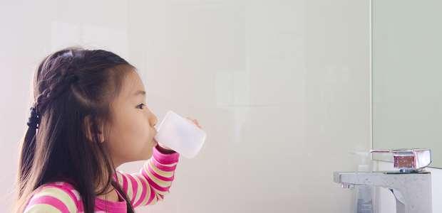 Salve o dente de leite: listamos principais benefícios