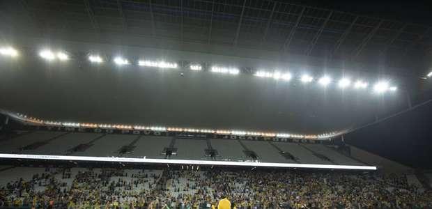 CBF oficializa candidatura do Brasil para sediar a Copa ...