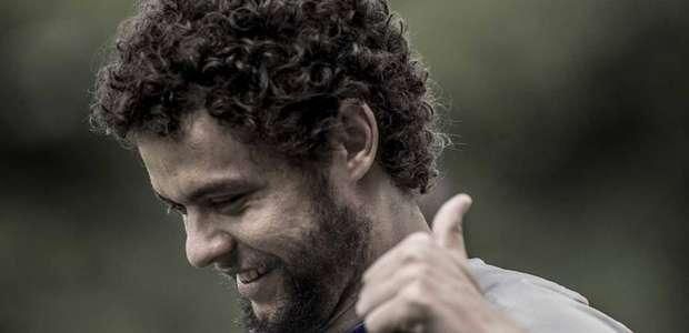 """Victor Ferraz se despede do Santos: """"Não imaginei que ..."""