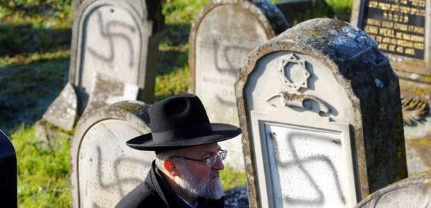 "Papa condena ""ressurgimento bárbaro"" do antissemitismo"