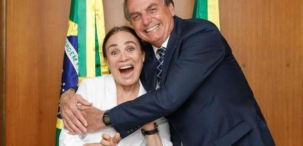 """Bolsonaro: """"Casamento com Regina Duarte deve sair na volta"""""""