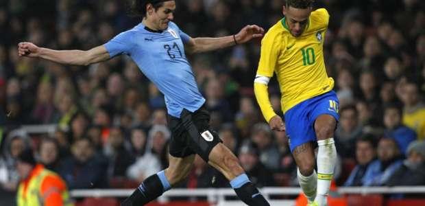 Corinthians não paga por Bruno Mendéz e quer sondar Cavani?