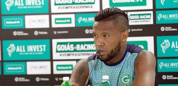 Goiás acerta retorno do zagueiro Rafael Vaz
