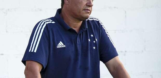 Adilson Batista pede paciência no Cruzeiro após derrota ...