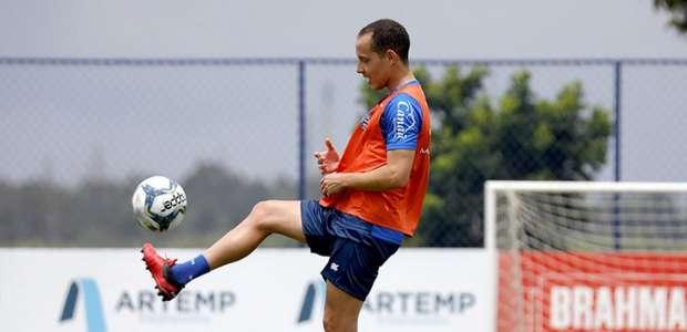Roger Machado entende que Rodriguinho tem de ser usado ...