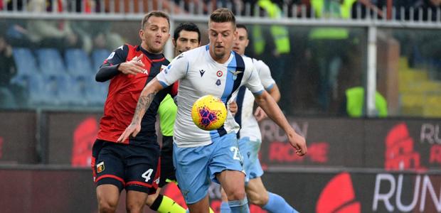Lazio vence Genoa fora de casa e segue na cola da Juventus