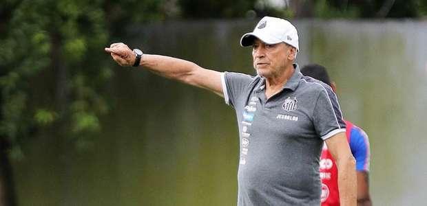 Comentaristas debatem pressão sobre Jesualdo no Santos: ...