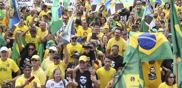 Ato anti-Congresso opõe apoiadores de Bolsonaro e Lava Jato
