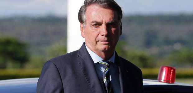 Bolsonaro ataca jornalista e nega ter compartilhado vídeo