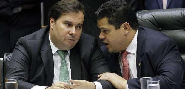 Maia e Alcolumbre admitem adiamento de eleições municipais