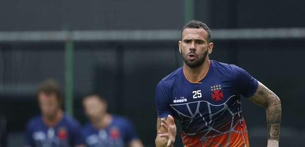 Leandro Castán revela sonho de fazer história pelo Vasco