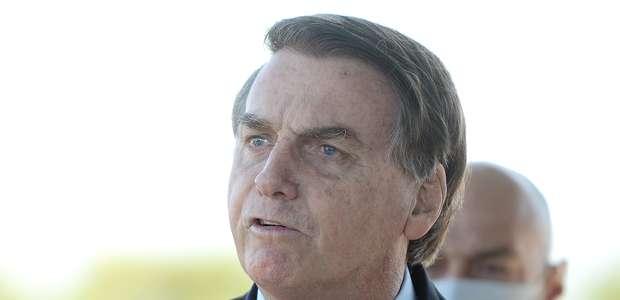 """""""Passa por cima do Supremo?"""", diz Bolsonaro a apoiador"""
