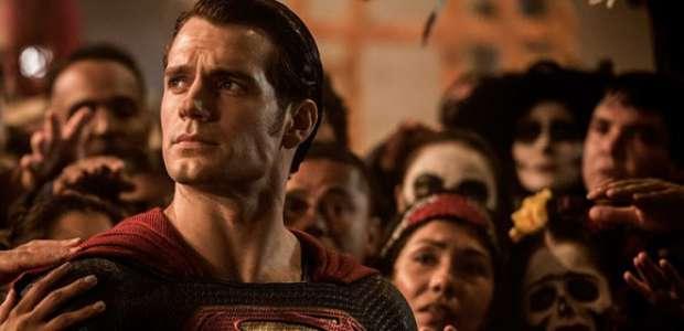 Entenda como Henry Cavill pode voltar a viver o Superman