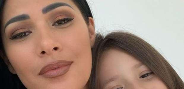 Filha de Simaria aponta preferência por visual da mãe: ...