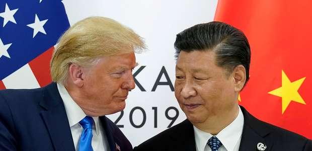 Trump pediu ajuda da China para reeleição, diz ex-assessor